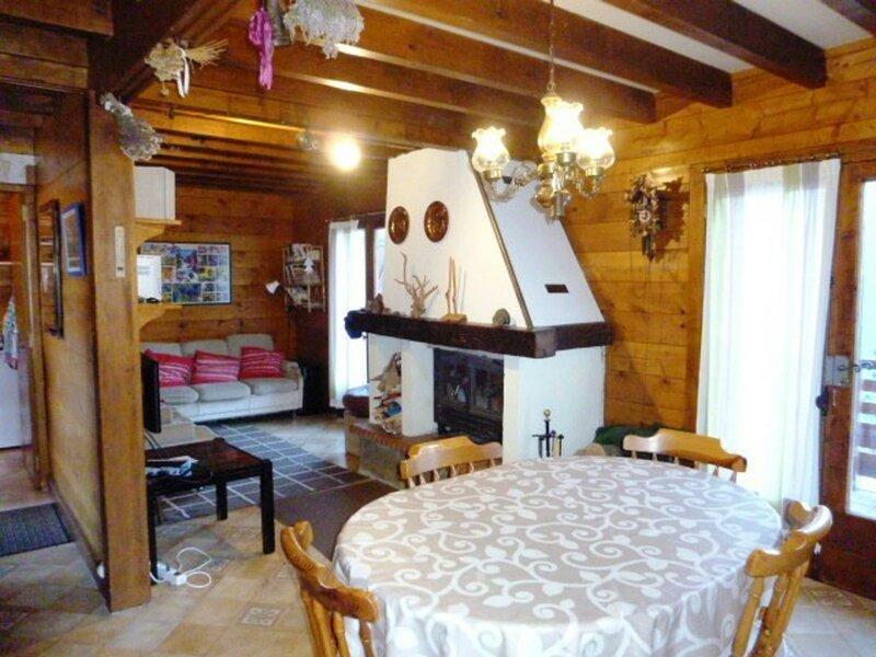 CHALET59 ARETTE, holiday rental in Osse-En-Aspe