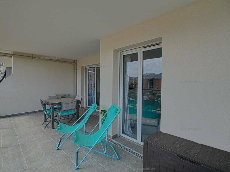 AJACCIO entrée de ville - très bel appartement spacieux F2- BODICCIONE, holiday rental in Mezzavia