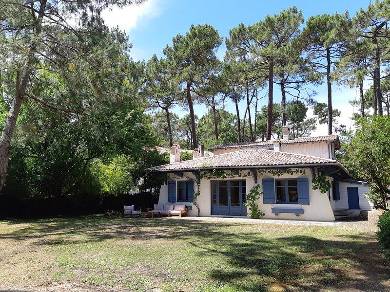 Villa au calme proche dune du Pyla & plage, location de vacances à Cazaux