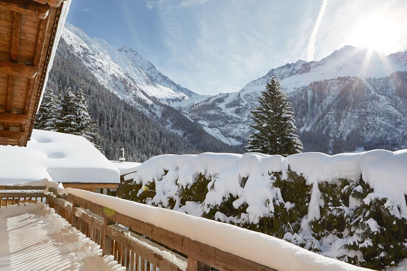 Marmotte Mountain Luxury 6 Bedroom Chalet with Panoramic Views, casa vacanza a Vallorcine
