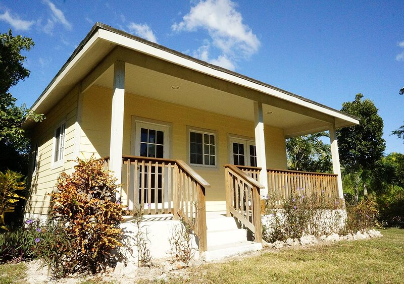Island Seaside Suite - Garden Cottage Ocean View Double, vacation rental in South Palmetto Point