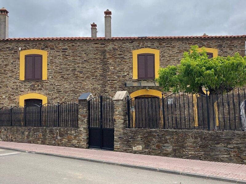 La Casa Grande de Adolfo, location de vacances à Mosteiros