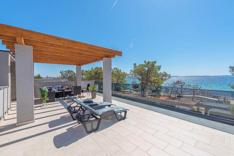 Beautiful Villa Karlo, in Dalmatia,with a Pool, holiday rental in Vir
