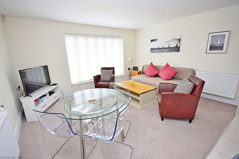 The Coach House Flat, Chichester, holiday rental in Tangmere