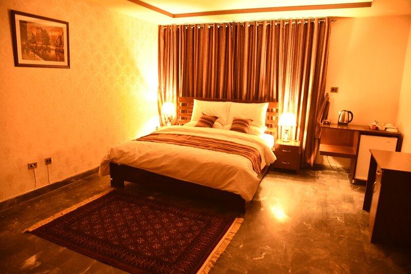 Tashreefaat Guest House - Beautiful Room in Center Islamabad, vacation rental in Islamabad Capital Territory