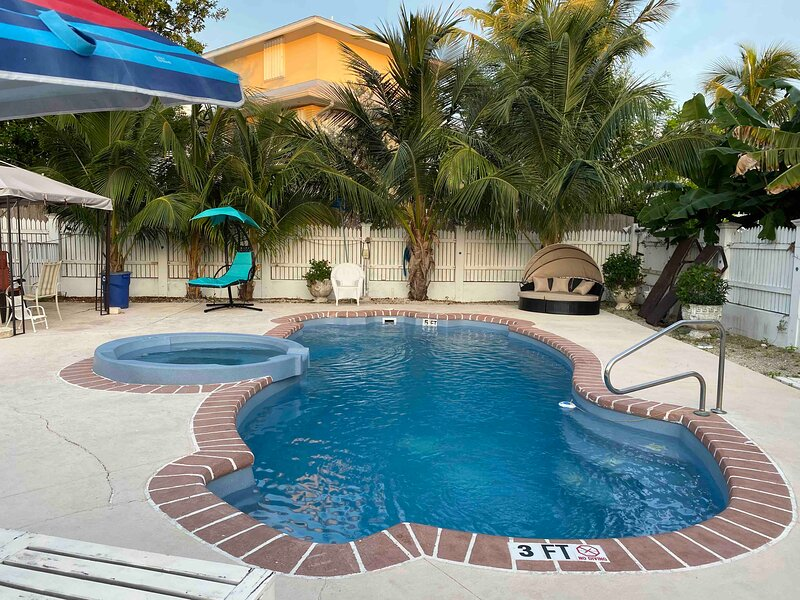 Private Pool with Atlantic Ocean View- 20 minutes away from Key West, aluguéis de temporada em Key West