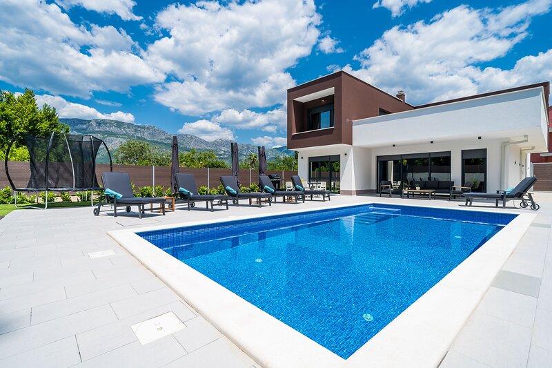 Villa MD-Three Bedroom Villa with Pool, holiday rental in Zastolje