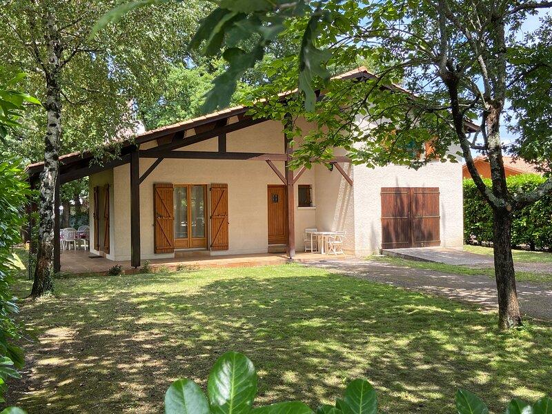 Villa à Gujan-Mestras à 5 min du Bassin d'Arcachon, vacation rental in Gujan-Mestras