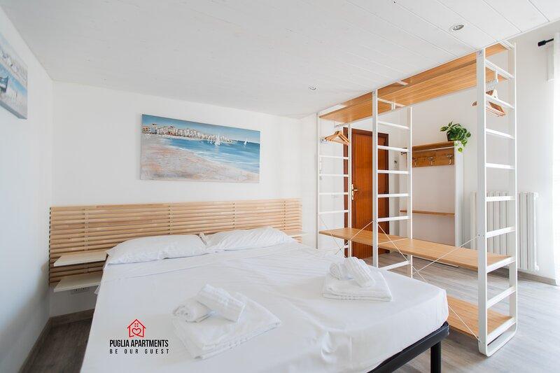 Appartamento con cucina con balcone panoramico, location de vacances à Rutigliano