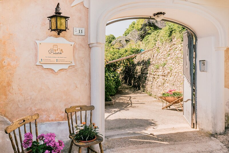 Pucarè Apartments situated in Tramonti Amalfi Coast is surrounded by lemon trees, vacation rental in Pucara