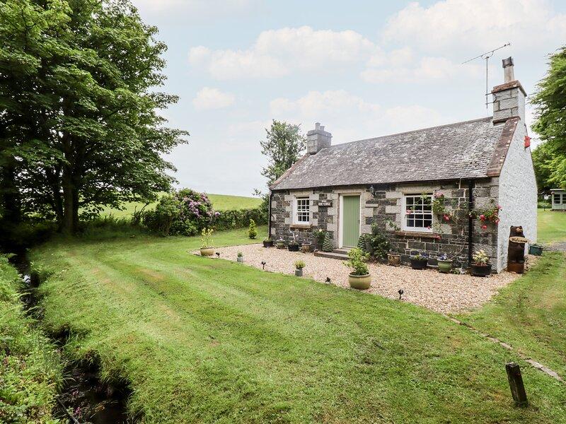 ROSE COTTAGE, near walks, off road parking, with a garden, in Stranraer, Ref, holiday rental in Leswalt