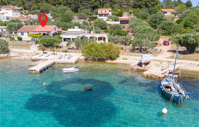 Awesome home in Vela Luka with WiFi and 2 Bedrooms (CDS253), holiday rental in Potirna