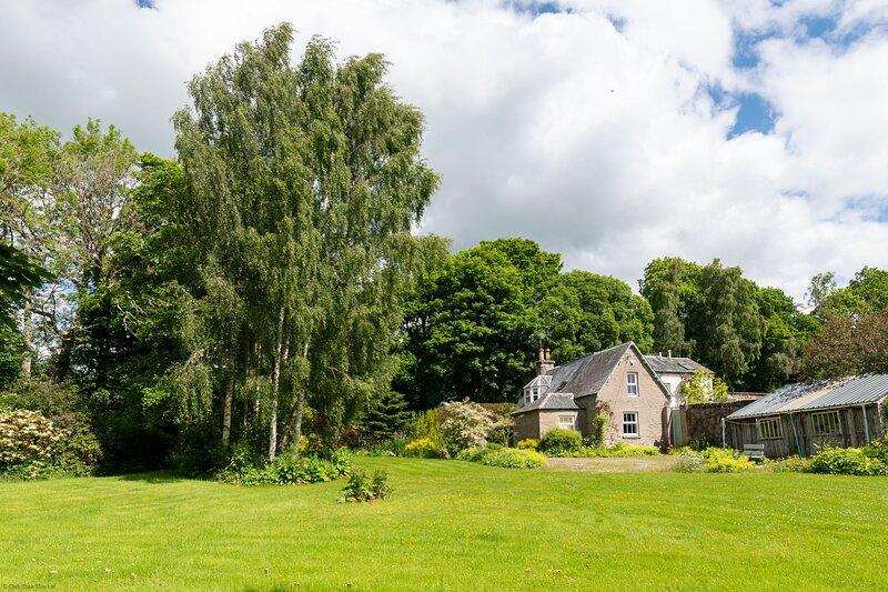 Gardeners Cottage - Walled Garden Retreat, holiday rental in Chapelhill