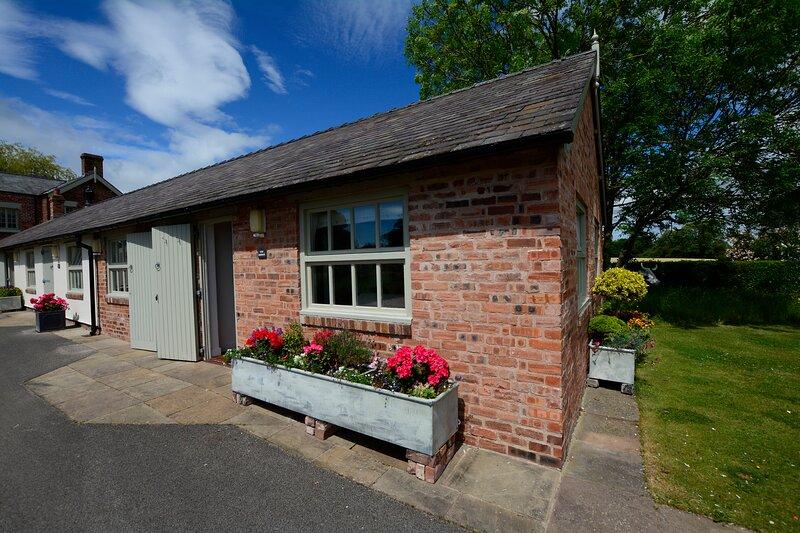 Oak at Golly Farm, holiday rental in Llanfynydd
