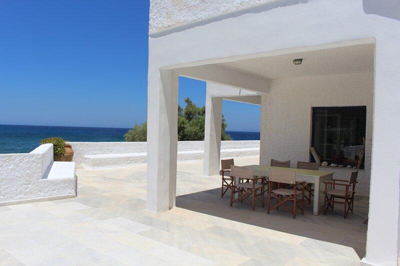 Villa Akrotiri The Star Watcher, holiday rental in Abram