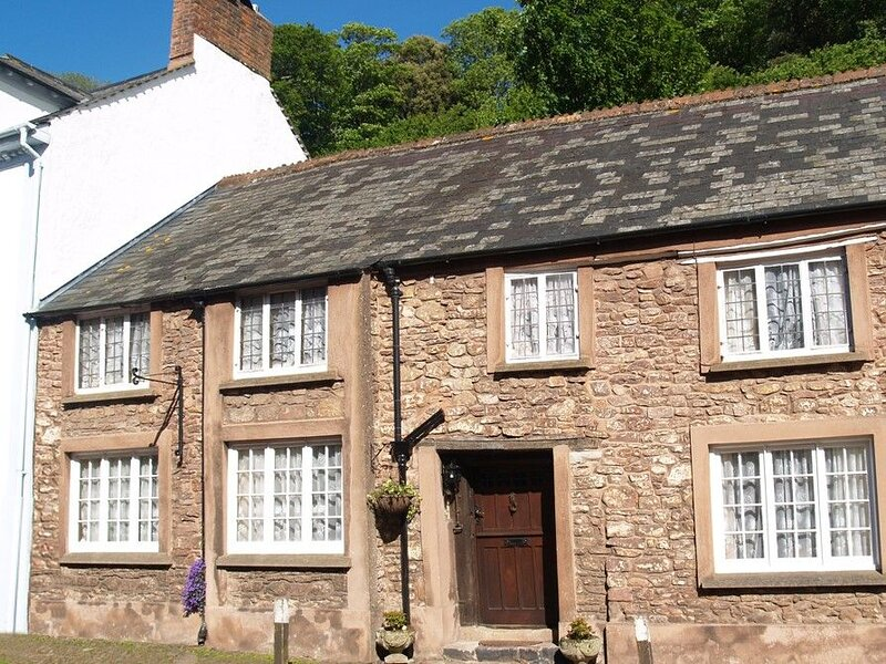 The Oval in Dunster - Historically fascinating holiday cottage in Dunster, holiday rental in Exmoor National Park