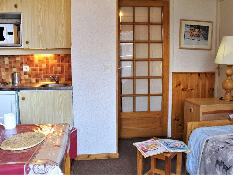 Appartement studio Cabine 4 couchages RISOUL 1850, holiday rental in Saint-Clement-sur-Durance