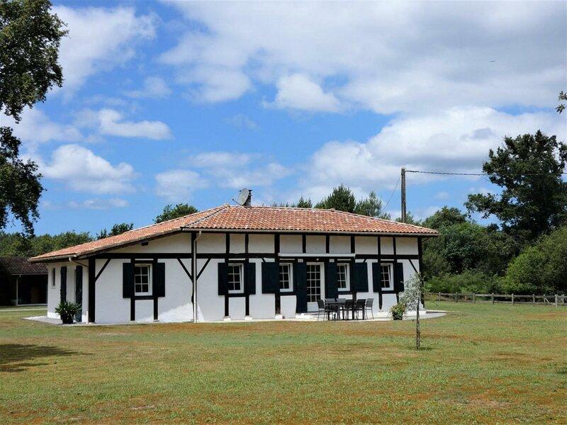 Location Gîte Castets, 4 pièces, 6 personnes, casa vacanza a Lesperon