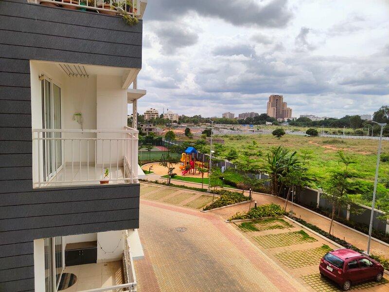 2bhk Luxury Apartment close to Airport, Hennur, holiday rental in Bengaluru