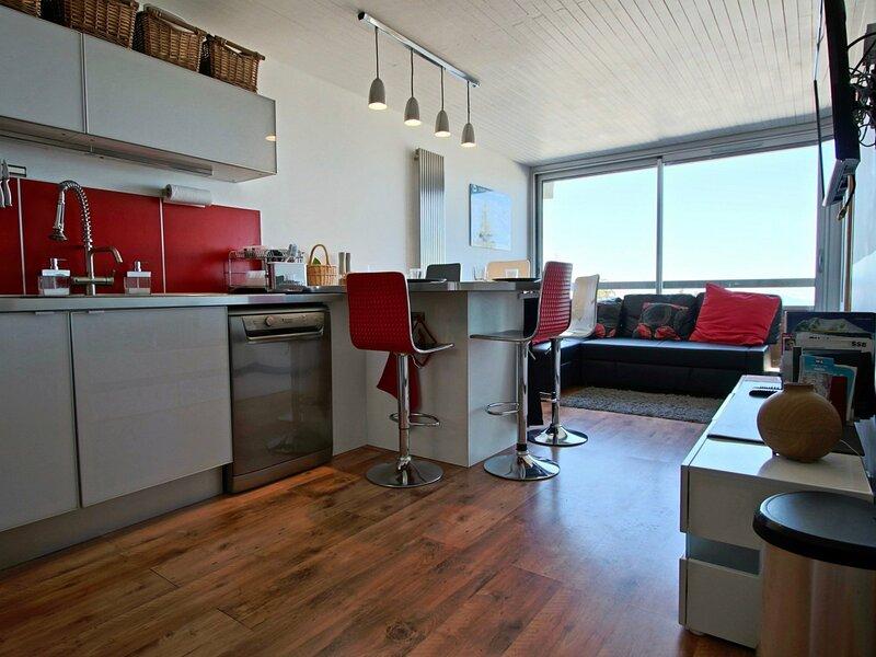 Très bel appartement au pied des pistes, holiday rental in Chamrousse