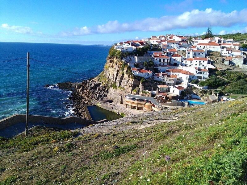 Azenhas do Mar Village - Holiday Rentals, vacation rental in Fontanelas