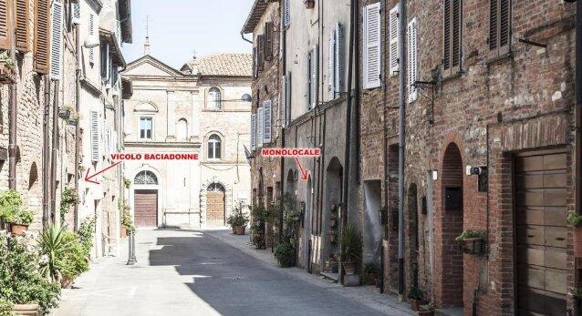 MONOLOCALE CASA GINA CENTRO STORICO CITTA DELLA PIEVE, holiday rental in Citta della Pieve