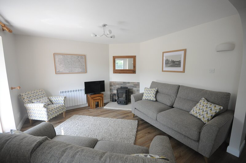 Cosy, modern self-catering holiday home in the North York Moors National Park, vacation rental in Newton-on-Rawcliffe