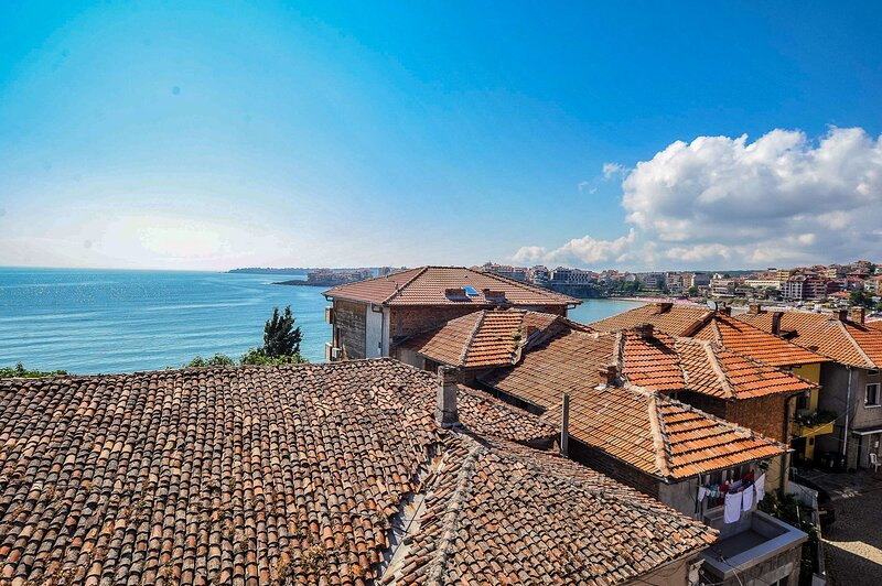 Exceptional Old Town Suite With Divine Sea Views, alquiler de vacaciones en Sozopol