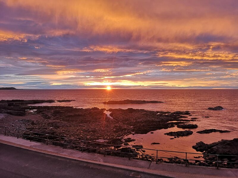 4 Waters Edge Is a beautiful 2 Bed Apartment with wonderful Sea views & Sunsets, casa vacanza a Macduff