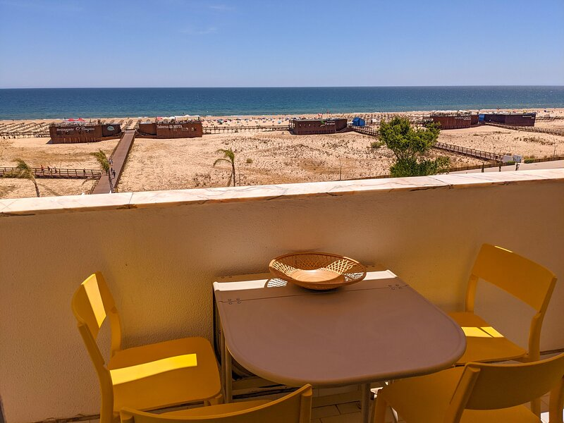 1-Bed Apt BEACH: Seasun Vacation Rentals (discount for stays +28 nights), holiday rental in Monte Gordo