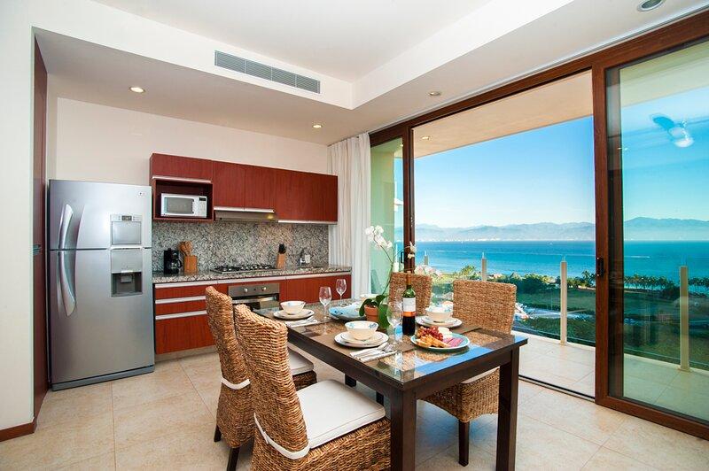 Luxury one bedroom studio - La Cruz de Huanacaxtle, holiday rental in La Cruz de Huanacaxtle