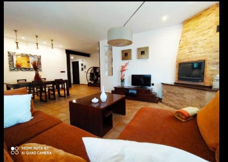 Se alquila villa, en zona residencial, tranquila y a 15 minutos de la playa ., holiday rental in Morche