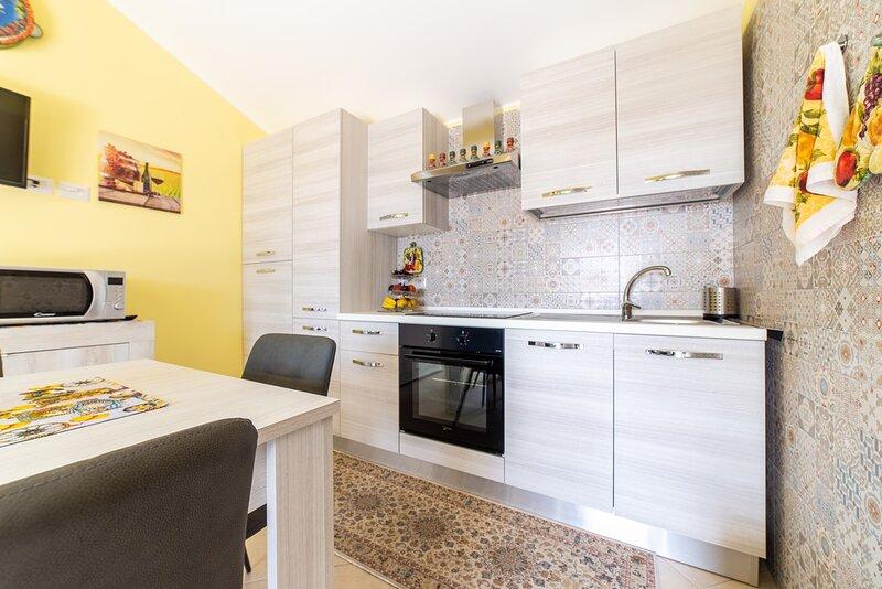 Suite Smeraldo - Etna Diamond Suite - SunTripSicily, holiday rental in San Leonardello
