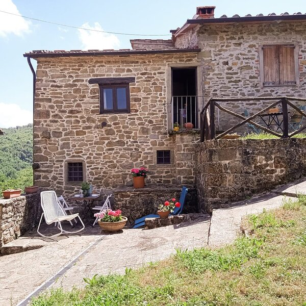 The Nest In The Woods - Il Nido Nel Bosco, holiday rental in Poppi