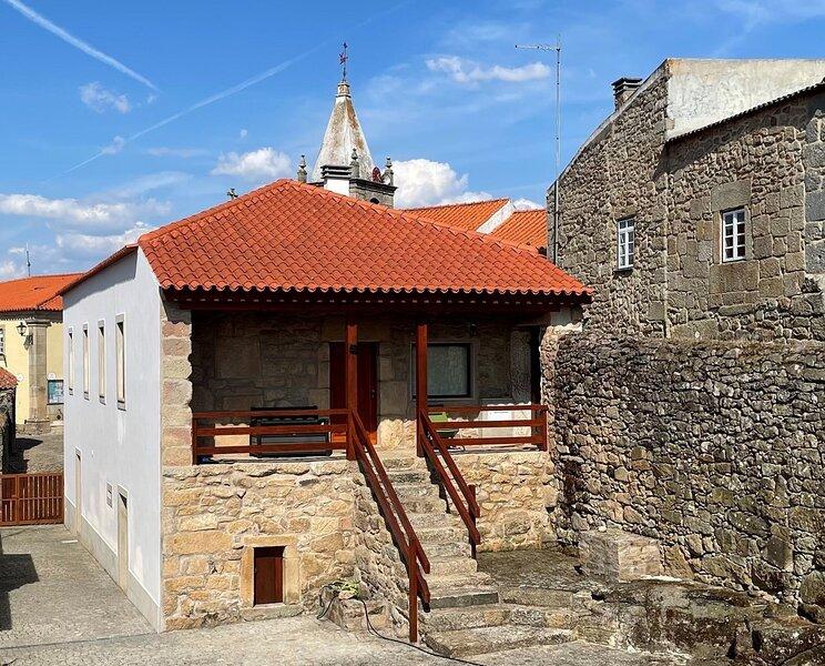Casa de Sampaio - Castelo Mendo, holiday rental in Espeja