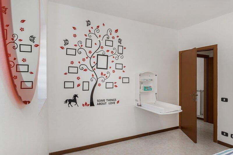 Casa Sofia con self check in a 5 minuti dall'aereoporto e 10 dalla fiera  di BG, holiday rental in Madone