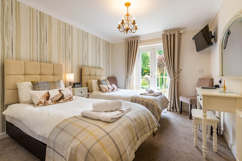 The Aylesbury Garden Apartment | The Eiders, vacation rental in West Beckham