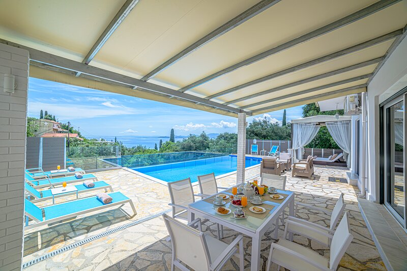 Villa Hera Private pool the luxury holidays place, holiday rental in Nissaki