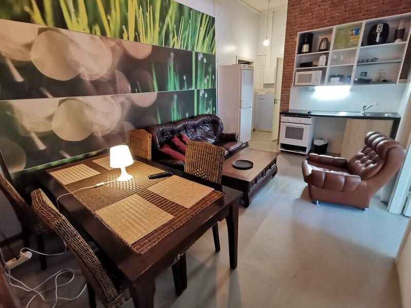Captivating 4-Bed Apartment in Kotka, holiday rental in Kotka