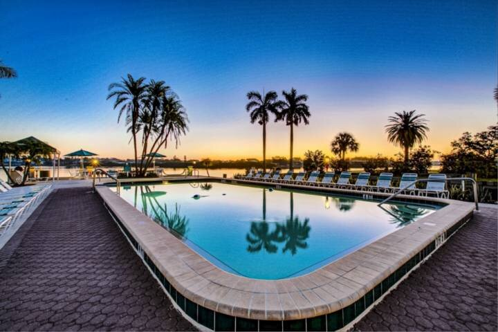 Private Beach on Siesta Key, Bay Sunrises, Heated Pools/Hot tub, Tennis, Fitness, vacation rental in Siesta Key