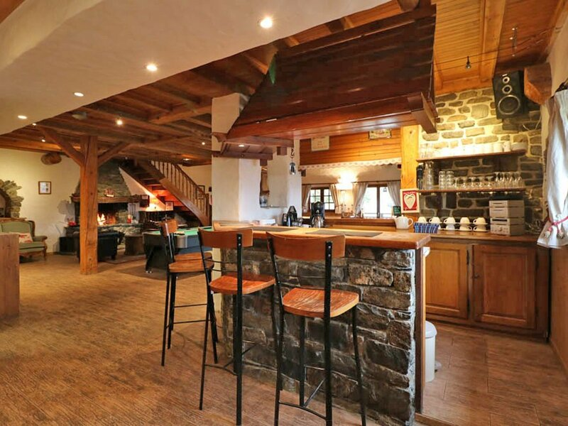 Grand chalet à louer pour des vacances en famille et/ou entre amis, holiday rental in La Rosiere