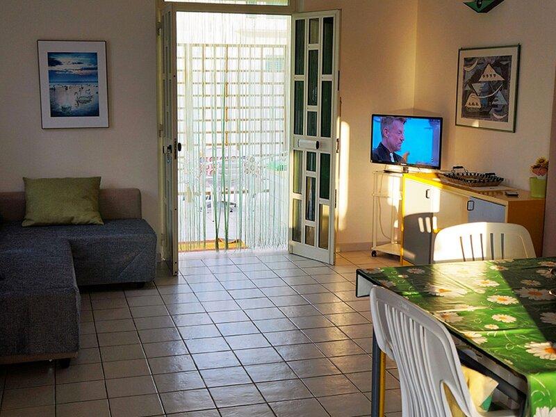 Restful Apartment in Reitani near Lido San Lorenzo Beach, location de vacances à Reitani