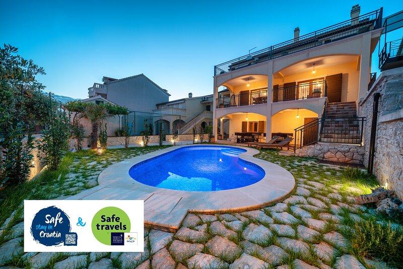 Vacation House Nomad, luxury Villa in centre of Vodice, aluguéis de temporada em Vodice