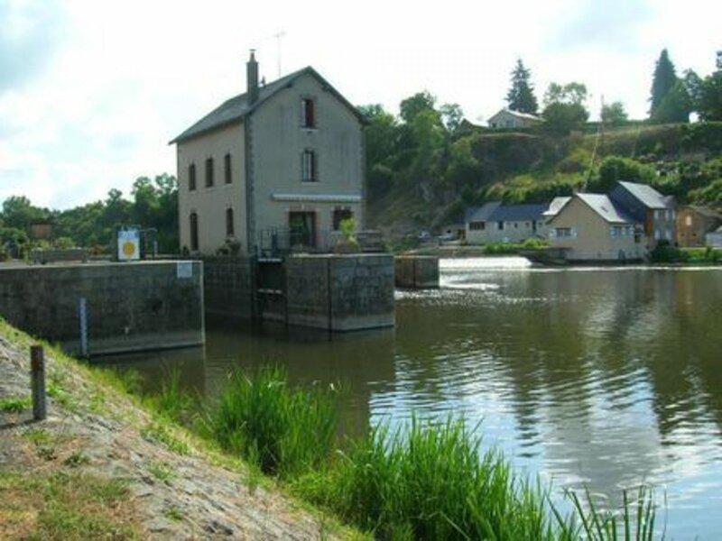 Le Moulin de Neuville, aluguéis de temporada em Chateau-Gontier