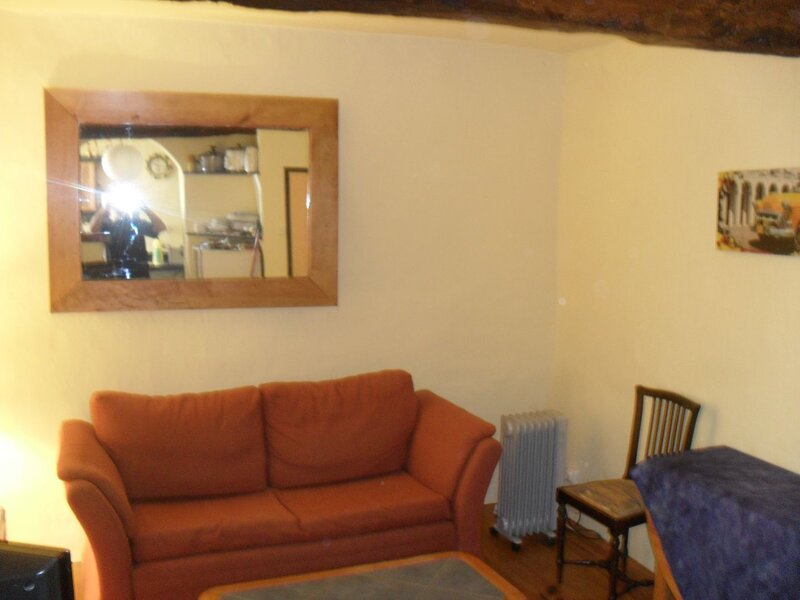 Charming 2 bed village house / Cazouls d'Herault, vacation rental in Usclas-d'Herault