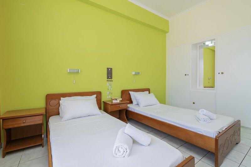 2 Bedroom Sea View Apartment (8 persons) - SunBliss Studios & Apartments, vacation rental in Katastari