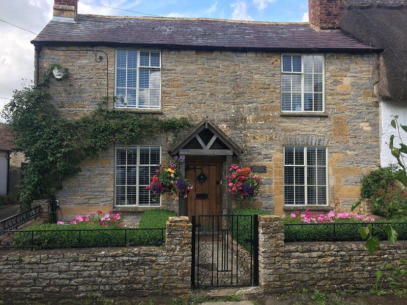 Myrtle Cottage, holiday rental in Wickhamford