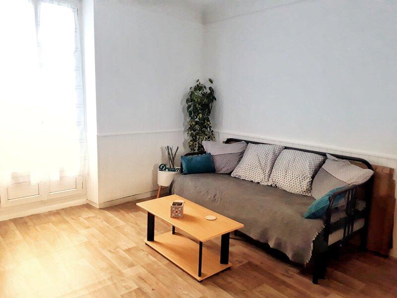 Petit appartement nantais, cosy et proche de tout, vacation rental in Carquefou
