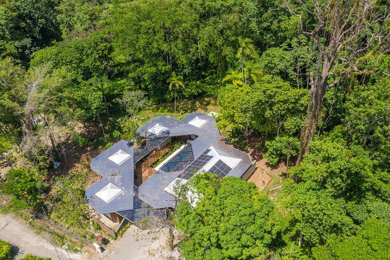 Caribbean Courtyard Villa, holiday rental in Playa Chiquita