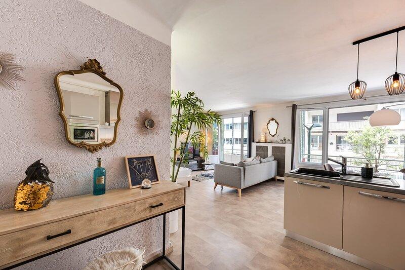 Le 7 - Appartement pour 2-4 personnes avec climatisation, aluguéis de temporada em Cran-Gevrier